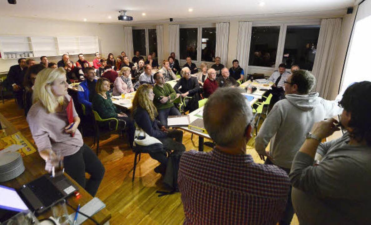 Erste Planungen:  Rund 60 Vertreter vo...n kamen zum Treffen am Mittwochabend.   | Foto: ingo schneider
