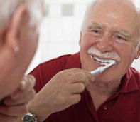 Je �lter der Zahn ist, desto mehr Pflege braucht er