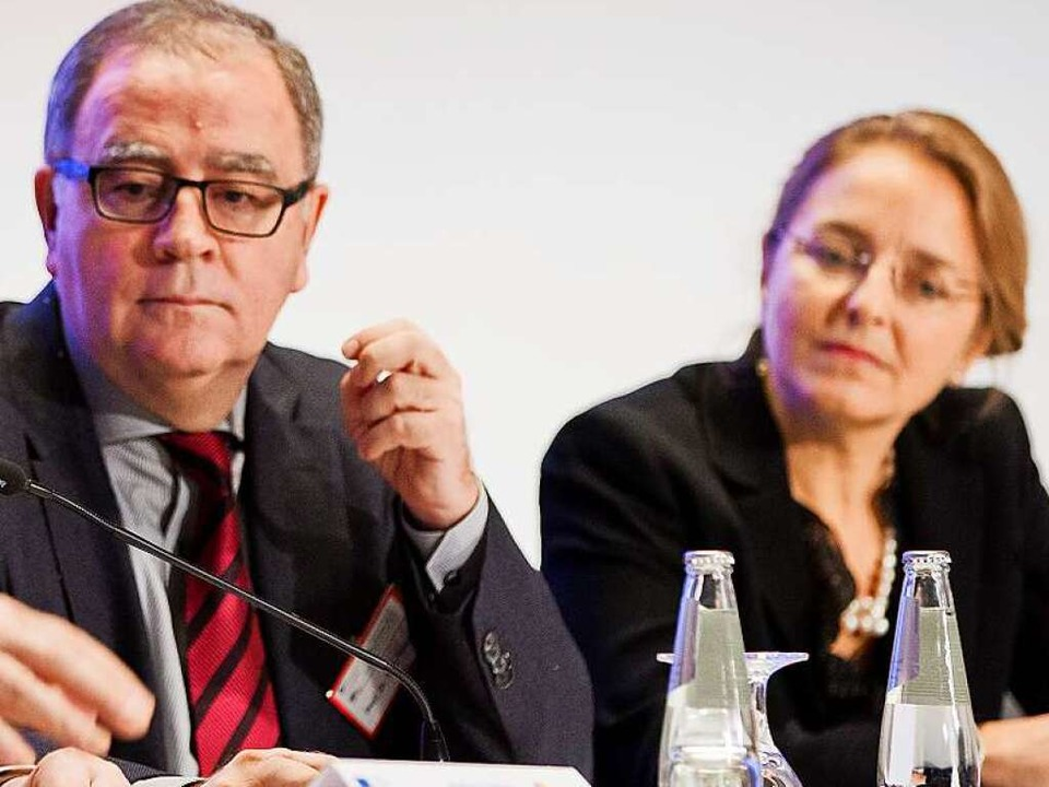 Fritz Sörgel (links) bestätigte das En... Bild deren Vorsitzende Letizia Paoli.