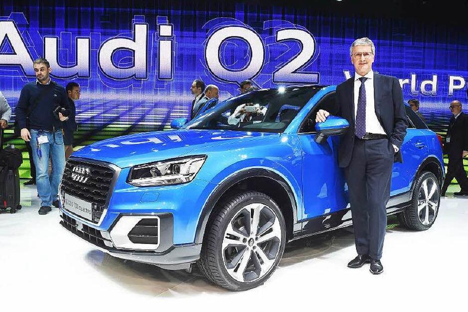Audi-Chef Rupert Stadler präsentiert den Q2. (Foto: dpa)