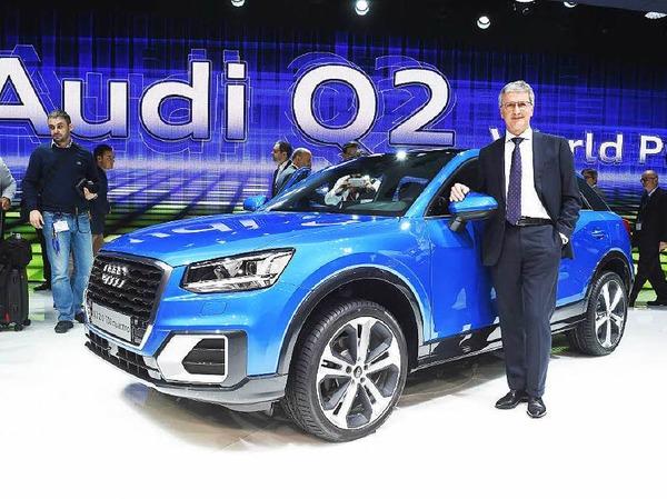 Audi-Chef Rupert Stadler präsentiert den Q2.