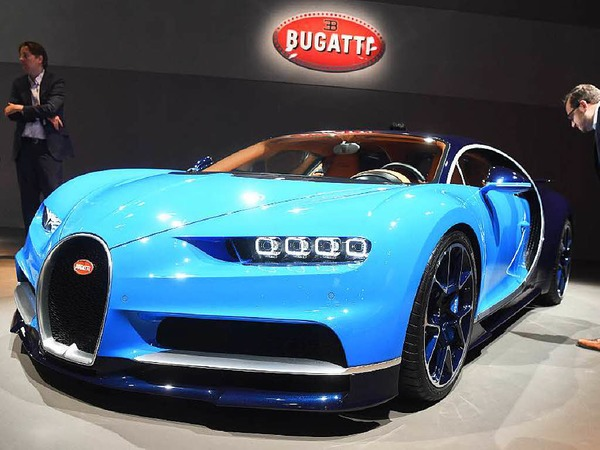 Der Bugatti Chiron löst den Veyron ab. Die Eckdaten: 1500 PS, 1600 Nm Drehmoment, 420 km/h, von 0 auf 100 unter 2,5 Sekunden, Basispreis: 2,4 Millionen Euro. Limitiert auf 500 Stück.