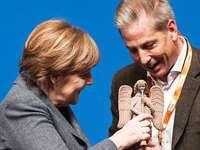 Merkel in Freiburg: Flüchtlingsfrage bleibt Thema Nummer 1