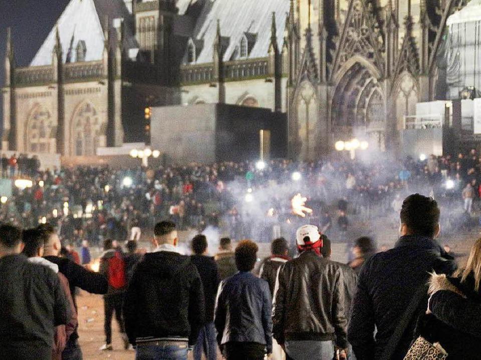 Nach wie vor Anlass für Diskussionen: die Silvesternacht in Köln  | Foto: dpa