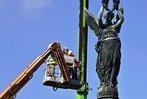 Fotos: Das Siegesdenkmal in Freiburg wird abgebaut