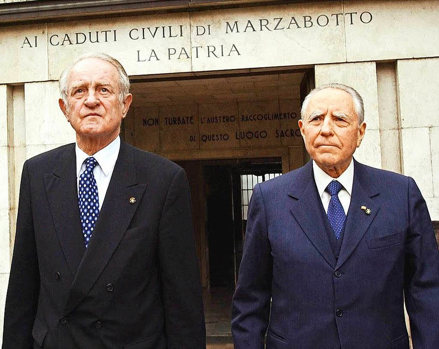 Der damalige Bundespräsident Johannes ...Staatspräsidenten Carlo Azeglio Ciampi    Foto: dpa