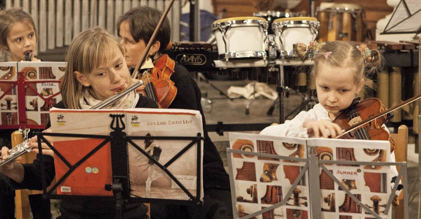 Das Kinderkammerorchester KAKAO verstä...eph Haydn das Jugendsinfonieorchester.  | Foto: Photographer: Gabriele Zahn