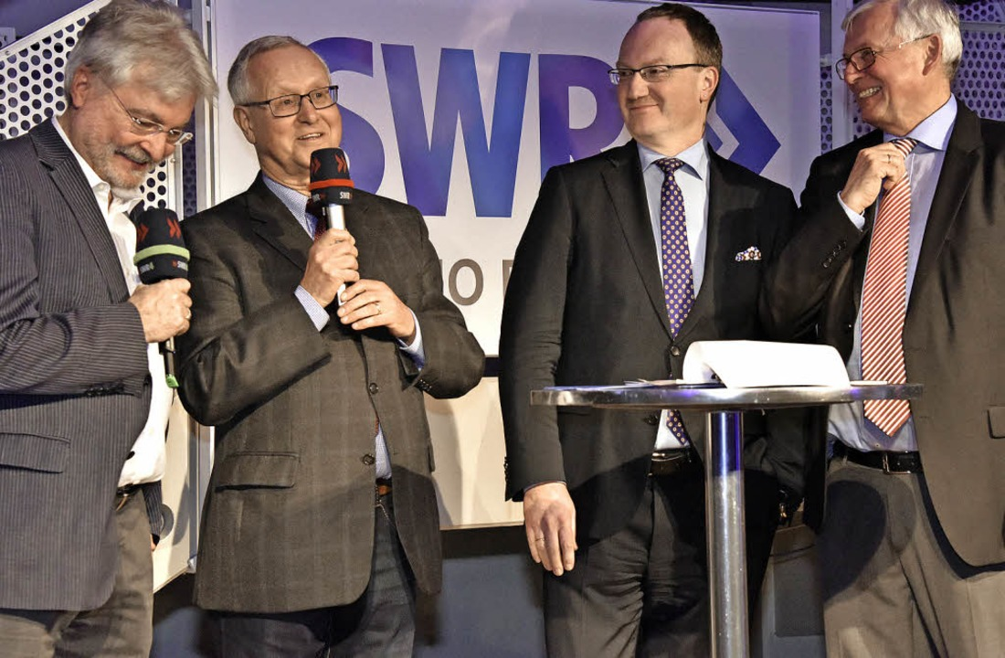 Wahlanalytiker bei der Veranstaltung v...s Feld und Studioleiter Rainer Suchan.  | Foto: Michael Bamberger
