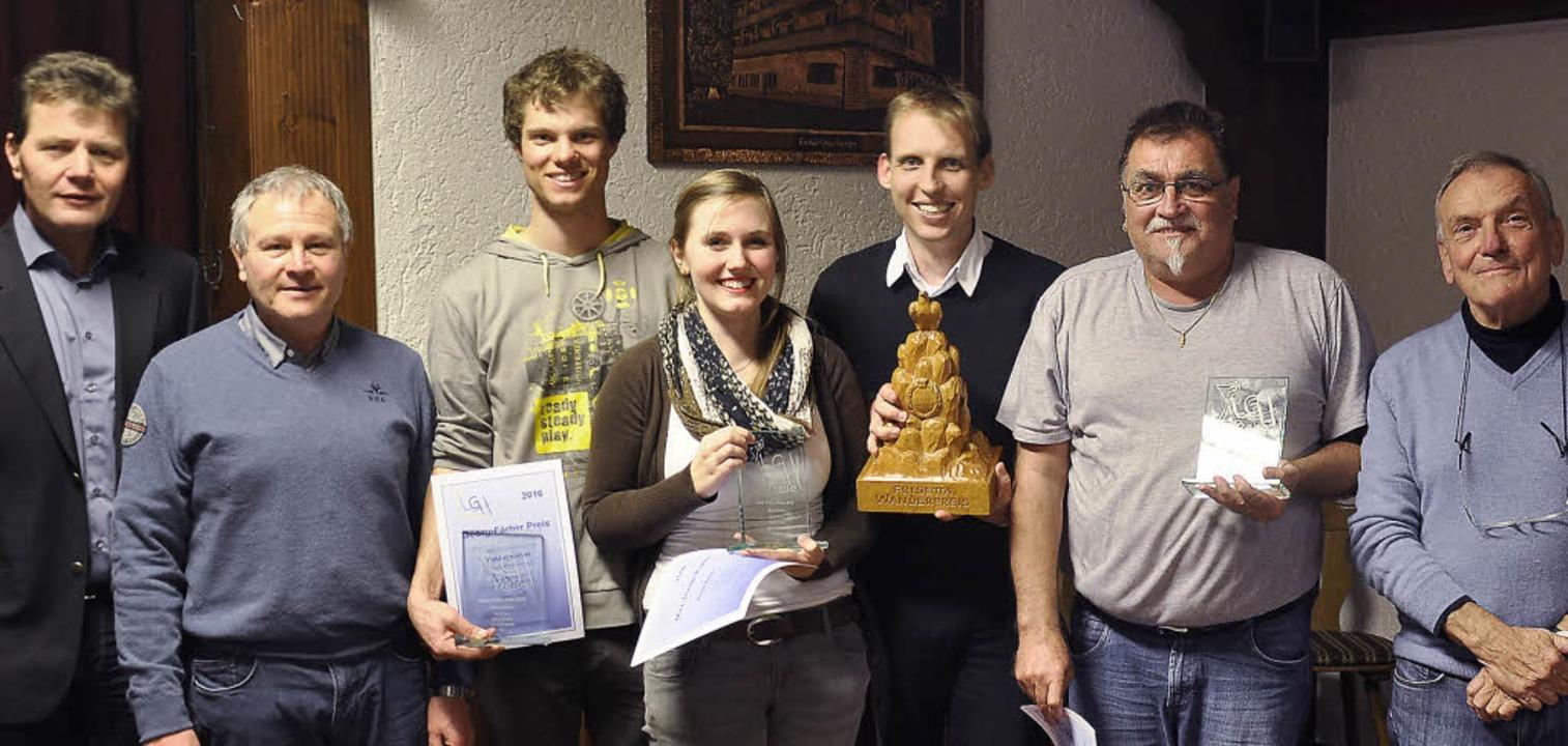 Vereinspräsident Hubert Matt (von link...bronner, Harry Adam und Thomas Wieland  | Foto: Verein
