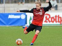 SC Freiburg verl�ngert Vertrag mit Lena Petermann