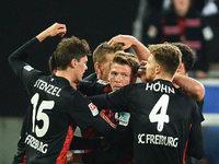 SC Freiburg schl�gt KSC mit 1:0 und ist Tabellenf�hrer
