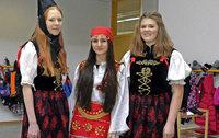 Schülerinnen befassen sich mit dem Kosovo und dem Schwarzwald