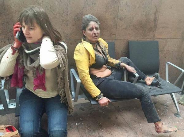 Zwei verletzte Frauen im Flughafen von Brüssel