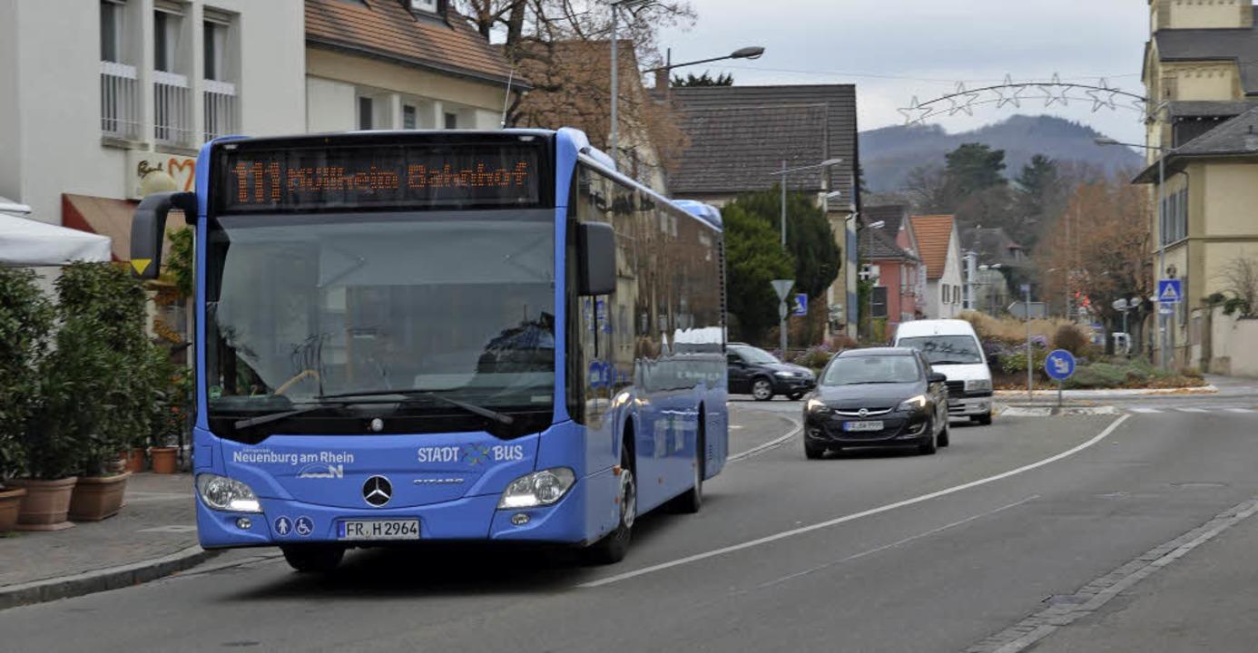 Die Busverbindungen – nicht zule...lheimer Bürger verbesserungsbedürftig.  | Foto: Rosalie Willin