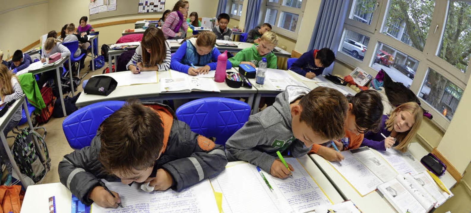 Im nächsten Schuljahr gilt auch für diese Klasse der neue Bildungsplan.  | Foto: dpa