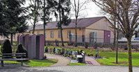 Baumgr�ber im Friedhof