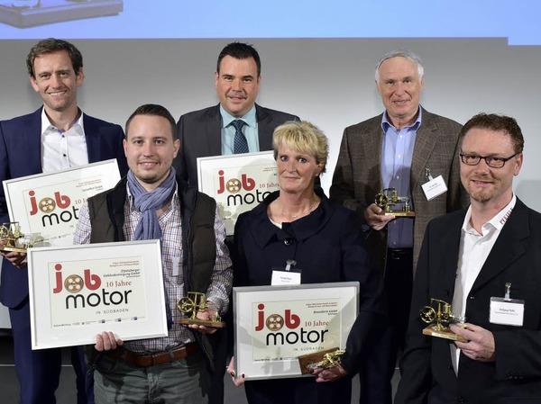 Die Preisträger: (hi.R.  von links) Ulrich Prediger (Leaserad), Marc Schlicksupp ( BRM Brandschutz), Axel Glatz (Pfizer), (v. R. von links) Stefan Zitzelsberger ( Zitzelsberger Gebäudereinigung ), Pamela Braun (Braunform) und Wolfgang Pfeifle (Bäckerei Pfeifle)