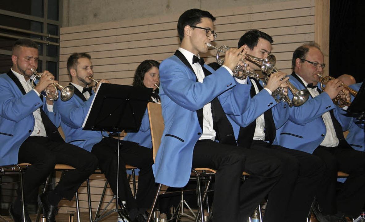 Die Brass Band Imperial Lenzburg aus der Schweiz begeisterte mit ihrem Können.    Foto: Martina Faller