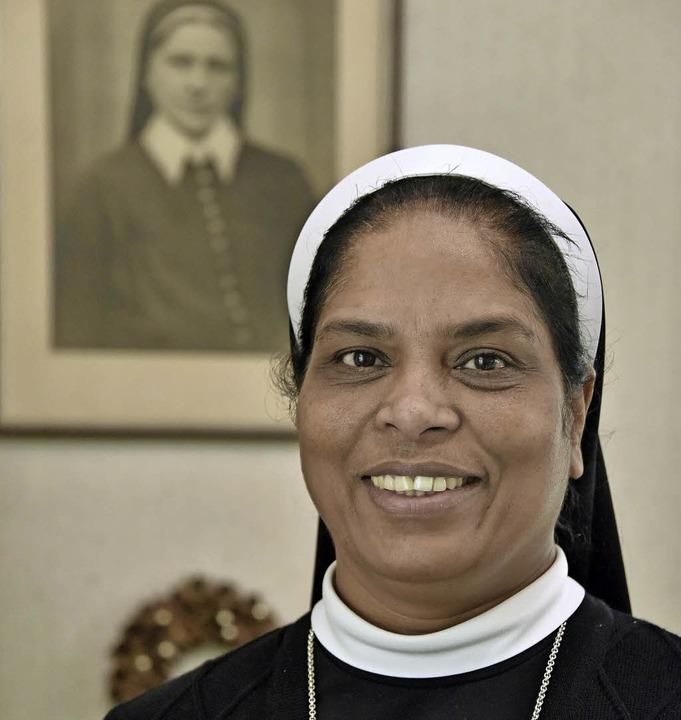 Generaloberin Schwester Lincy vor eine...r Gründerin des Ordens, Mathilde Otto   | Foto: Bamberger