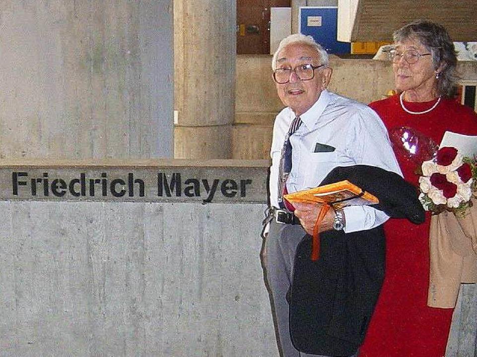 Fred Mayer und seine Lebensgefährtin V...such am Rotteck-Gymnasium im Jahr 2006  | Foto: Wolfram Zimmer