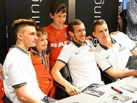 Fotos: Autogrammstunde der von SC-Spielern in Freiburg