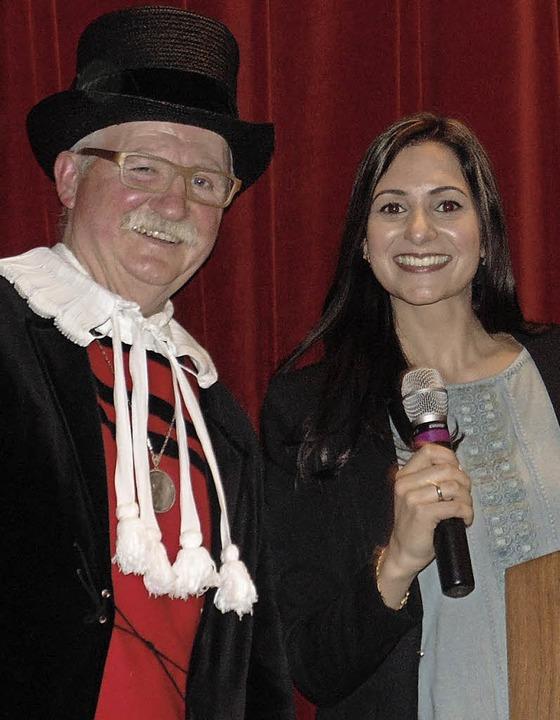 Die Moderatoren Georg Albiez und Sandhya Hasswani  | Foto: Gottstein