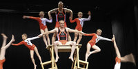"""""""Magische Momente"""" zeigen F�rdergruppen mit akrobatischen F�higkeiten in L�ffingen"""