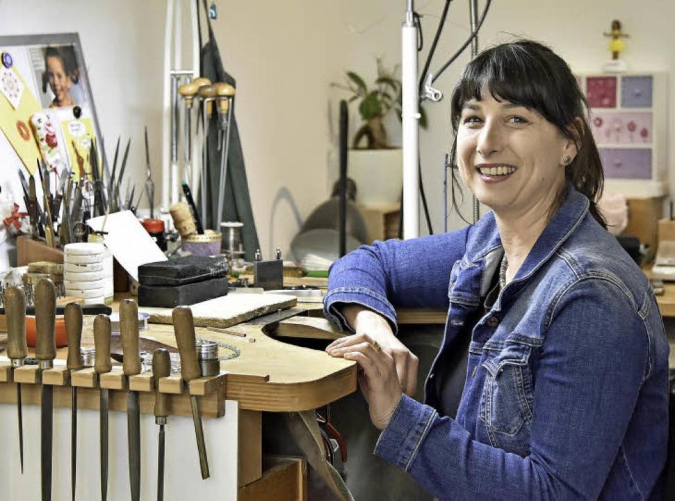 Die Goldschmiedin Binnur Bayfidan in ihrer Werkstatt   | Foto: Michael Bamberger