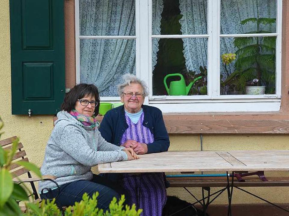 Maria Harter mit Mutter Agnes Sester  | Foto: Susanne Ehmann