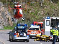 Motorradfahrer st�rzt in die Tiefe – schwer verletzt