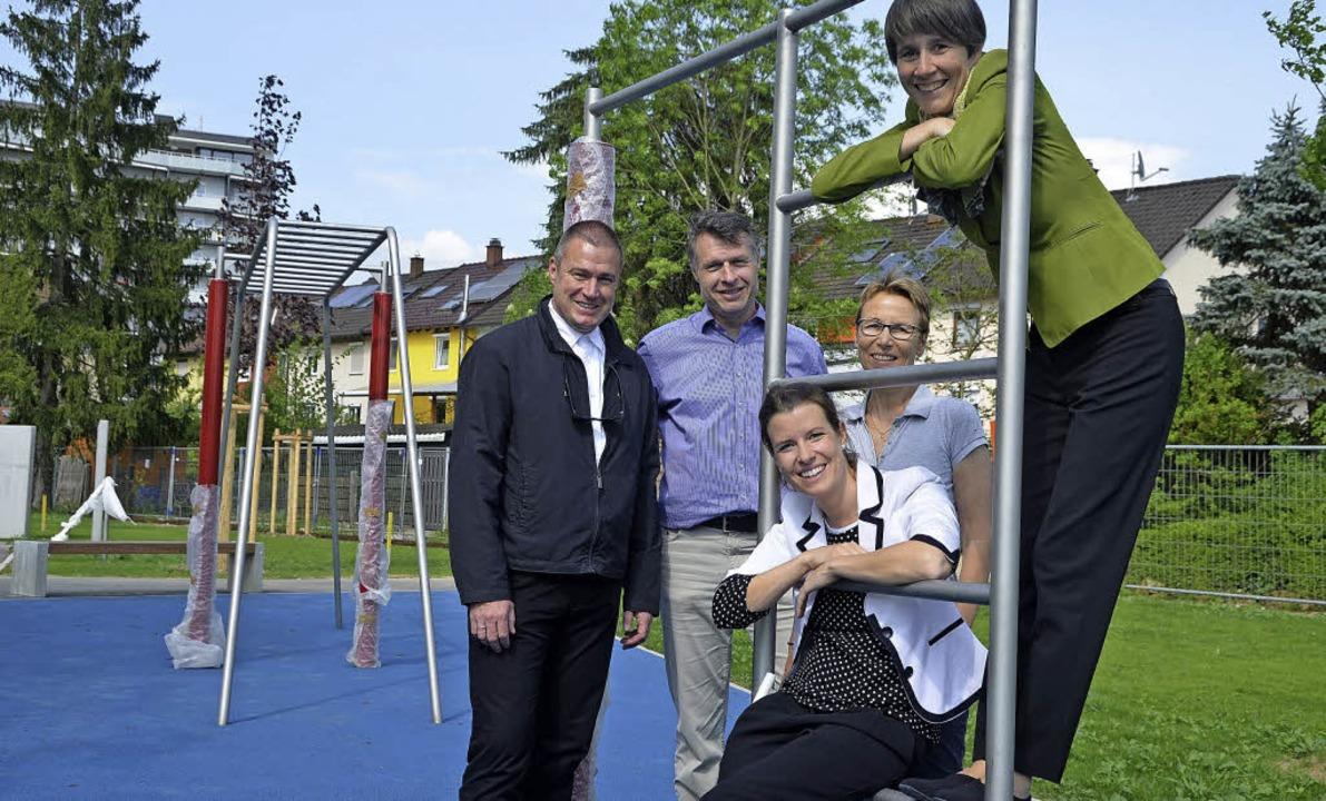 Vorfreude (von links): Frank Hovenbitz...Wetzel und Ute Lusche (Stadt Lörrach)   | Foto: Mark Alexander