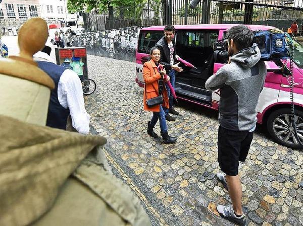 """Kamera läuft: In Freiburgs Innenstadt wird für die Vox-Sendung """"Shopping Queen"""" gedreht."""