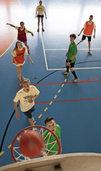 Sport und Spiel ersetzen die Sprache