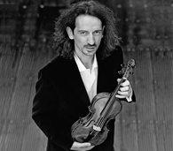 Anton Steck (Violine, Foto) sowie L'arpa festante - Barockorchester M�nchen werden unter der Leitung von Matthew Halls in M�llheim