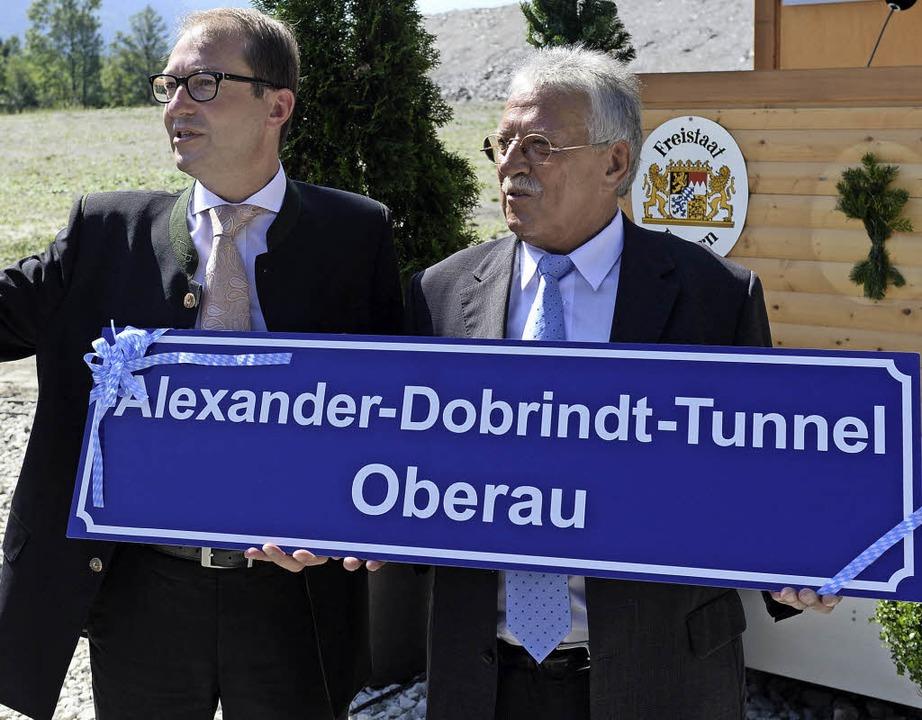 Direkter Dank beim Gönner: Oberaus Bür...esverkehrsminister Alexander Dobrindt   | Foto: dpa