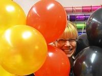 Rekordversuch: Aus 72.000 Ballons die Bundesfahne bauen
