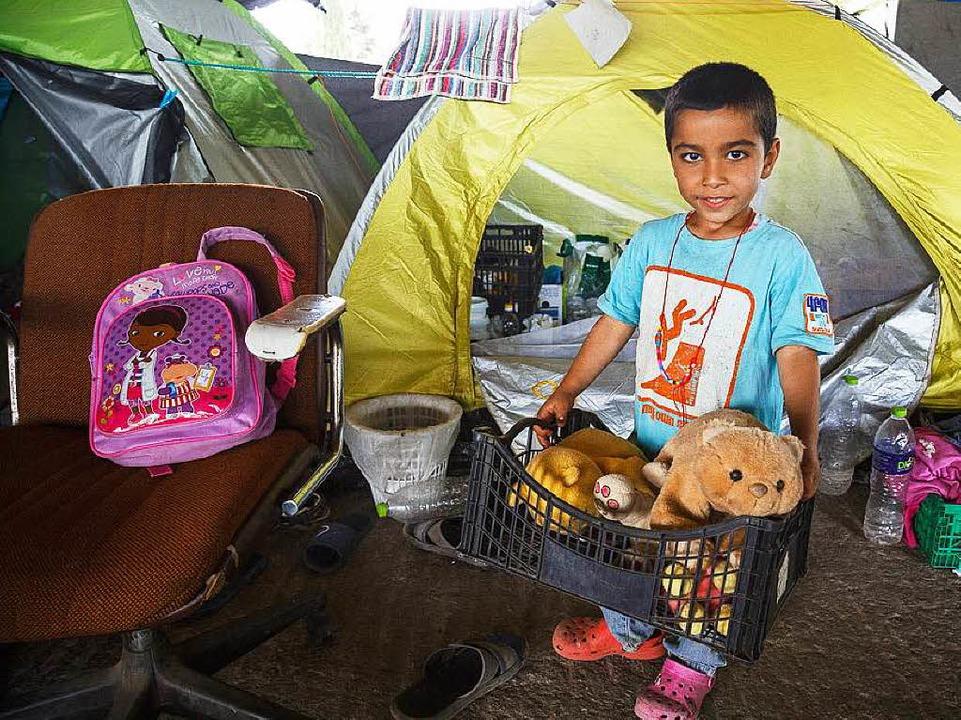 Die Familien hatten nur wenig Zeit, ihre Sachen zusammenzupacken.  | Foto: David Lohmueller