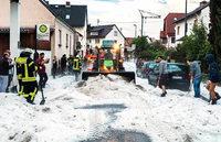 Unwetter �ber Europa: Viele verletzte Kinder, ein toter Wanderer