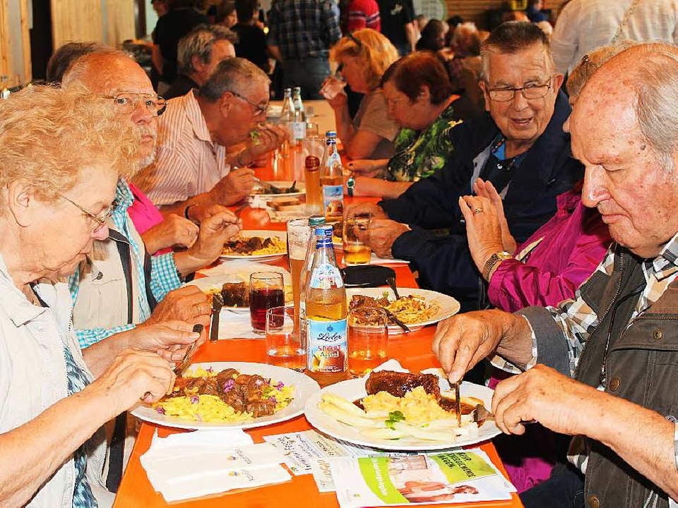 Die Besucher fanden sichtlich Geschmack an der Veranstaltung.  | Foto: Anja Bertsch