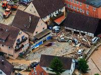 Rettungskr�fte r�umen nach verheerenden Gewittern auf