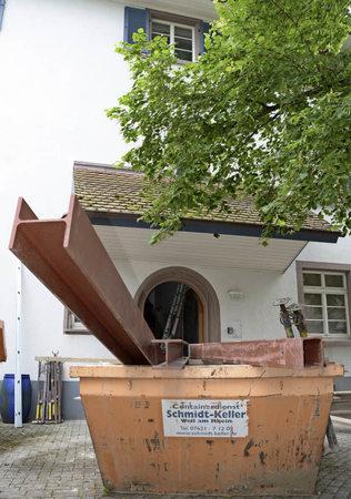 altweiler pfarrhaus wird ausgebeint weil am rhein badische zeitung. Black Bedroom Furniture Sets. Home Design Ideas