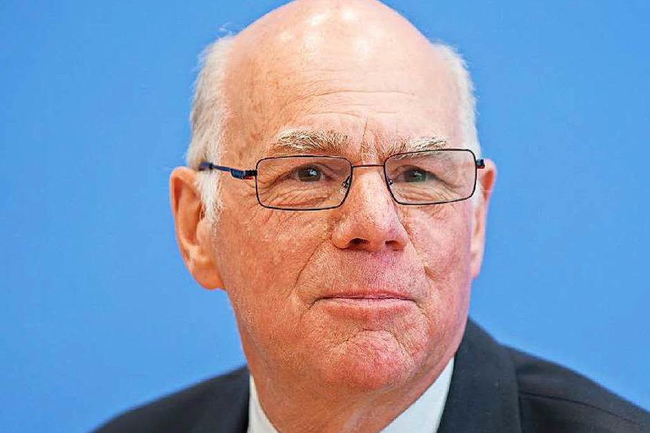 Norbert Lammert: FÜR Lammert (CDU) spricht, dass er sich als Präsident des Bundestages einen Ruf als fähiger Moderator erarbeitet hat. GEGEN Lammert spricht,   dass er bei der SPD nicht gelitten ist. Selbst CDUler halten ihn für eitel. (Foto: dpa)