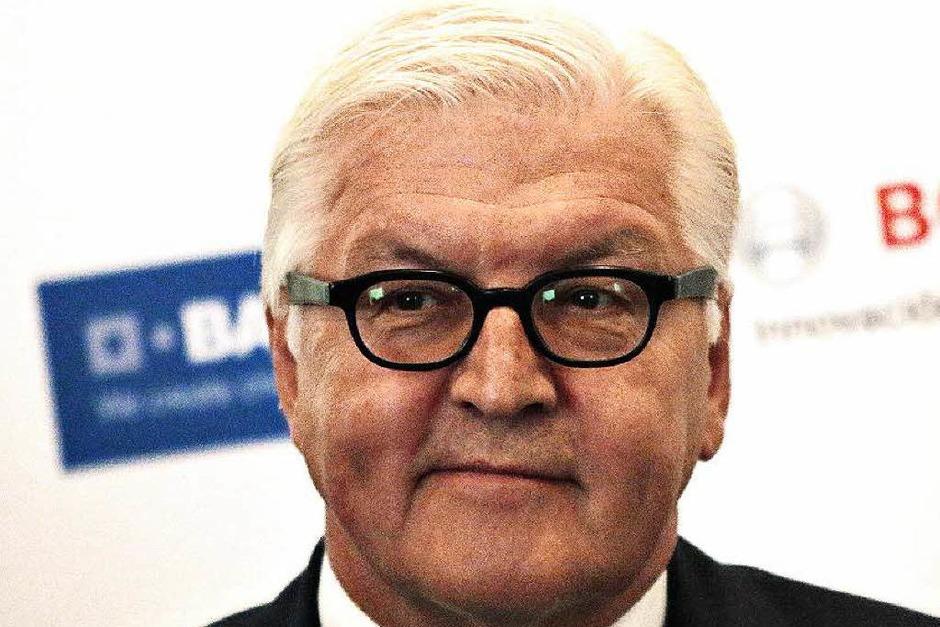 Frank-Walter Steinmeier: FÜR den  Außenminister spricht, dass er zu den am meist geschätzten Politikern im Lande zählt. GEGEN Steinmeier spricht, dass Kanzlerin Merkel vermutlich keinen SPD-Mann im höchsten Amt des Staates haben möchte. (Foto: AFP)