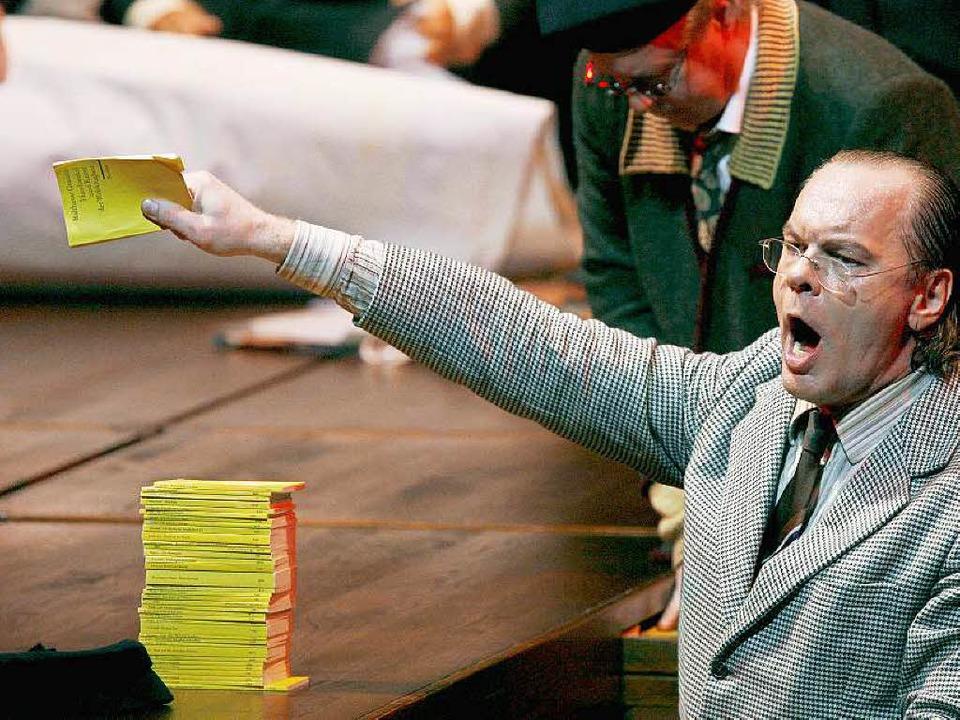 Das sieht man gewöhnlich vom Sänger: M...n der Rolle des Beckmesser in Bayreuth  | Foto: Daniel Karmann