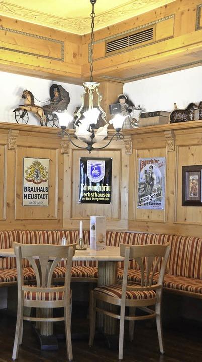 Das restaurant im jugendstilgebäude hat ein heimeliges ambiente foto susanne müller