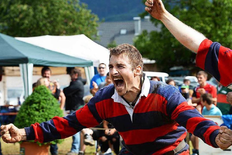 Geballte Freude beim alten und neuen deutschen Meister, den Sportfreunden Goldscheuer (Foto: Patrick Seeger)