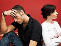 Nach Trennung: Was tun mit gemeinsamen Versicherungen?