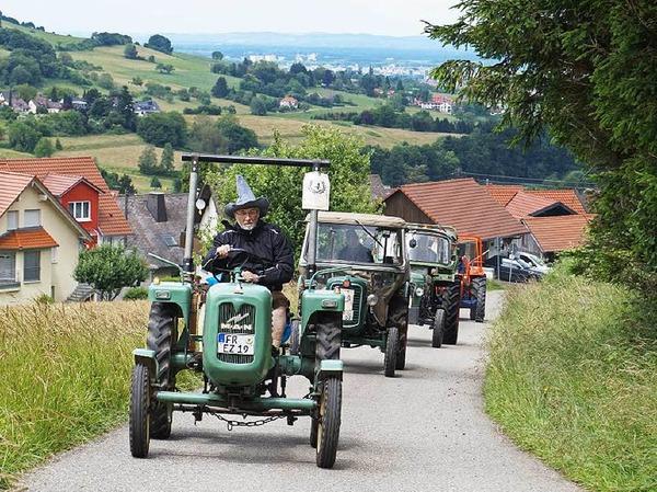 Traktorentreffen in Wittnau: Zum achten Mal trafen sich Fans und Fahrer von Oldtimern und jüngeren Exemplaren beim Schützenhaus.