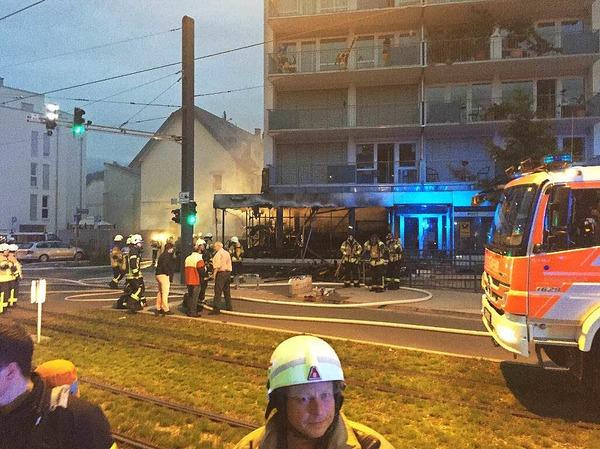 Brand in einem Modellbaugeschäft in Freiburg-Zähringen