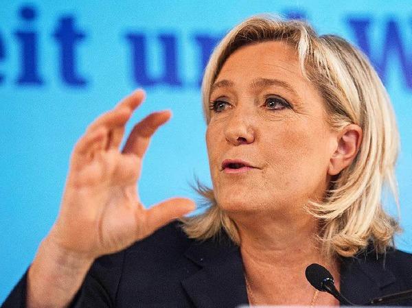 """Marine Le Pen, die Chefin der rechtsextremen Partei Front National in Frankreich, schrieb auf Twitter: """"Sieg für die Freiheit."""" Auch sie fordert ein Referendum in ihrem Land."""